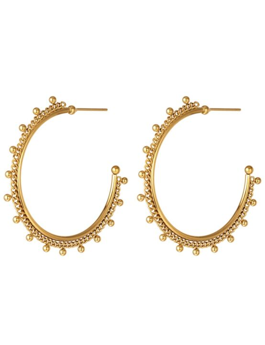 De gouden oorbellen zijn gemaakt van stainless steel en hebben schakels met bolletjes.