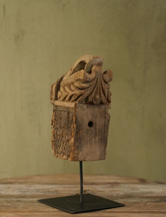 Ornament Wood 002
