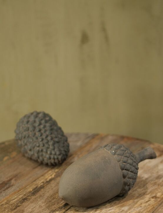 Acorn Cone Touch of Brown D11.H27