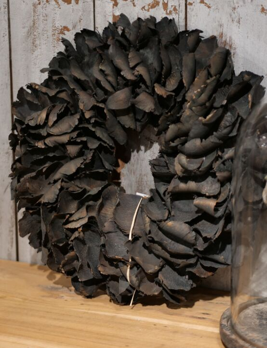 Palm Petal Wreath 40cm Black