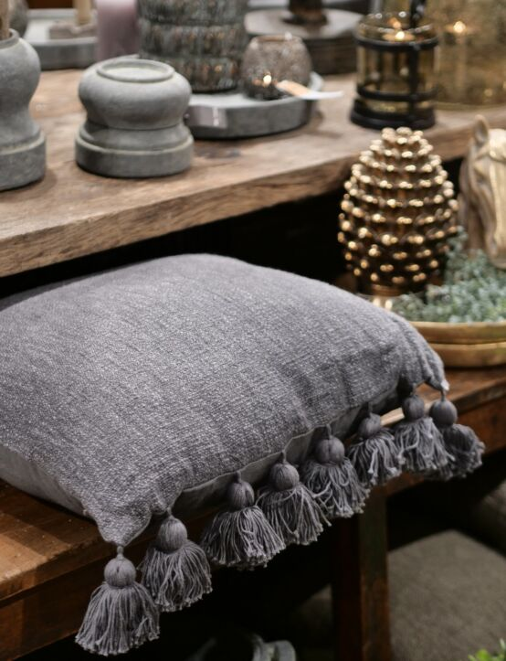 Cushion Poly Cotton w/ Tassels Grey