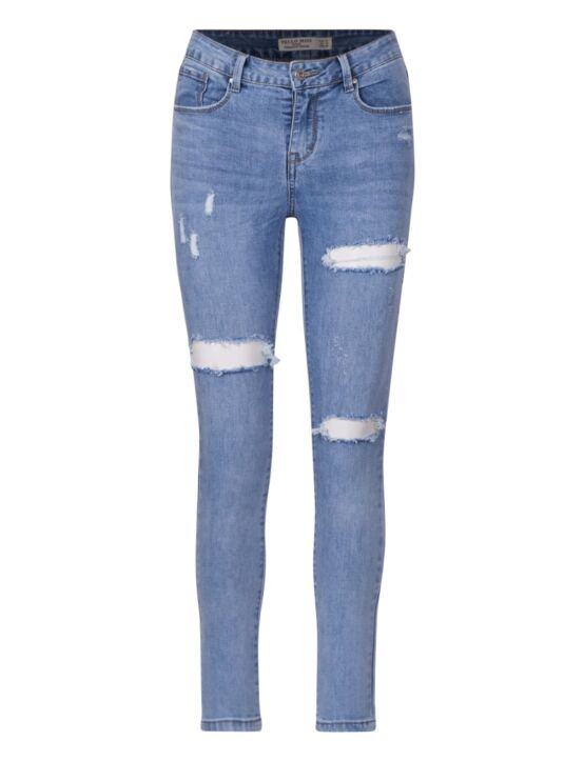 De blauwe skinny spijkerbroek, heeft destroyed details, zakken en sluit met een knoop.