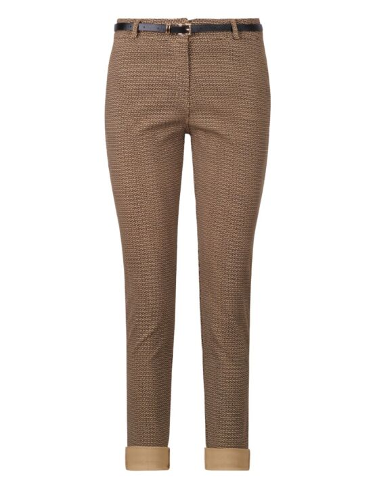 De pantalon, in camel, heeft een grafische print met zwarte lijnen, zakken en wordt geleverd met riem.