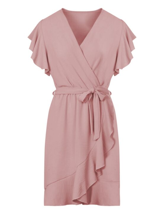De roze jurk heeft een elastische taille-band met strik. De korte mouwen en rok hebben een ruffle.